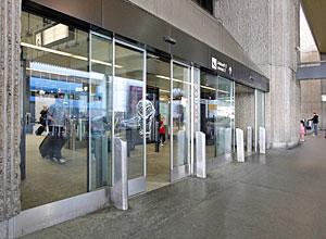 Les portes automatiques atteignent des performances de pointe à l'aéroport