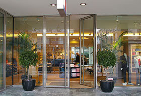 Swing Door Invisible